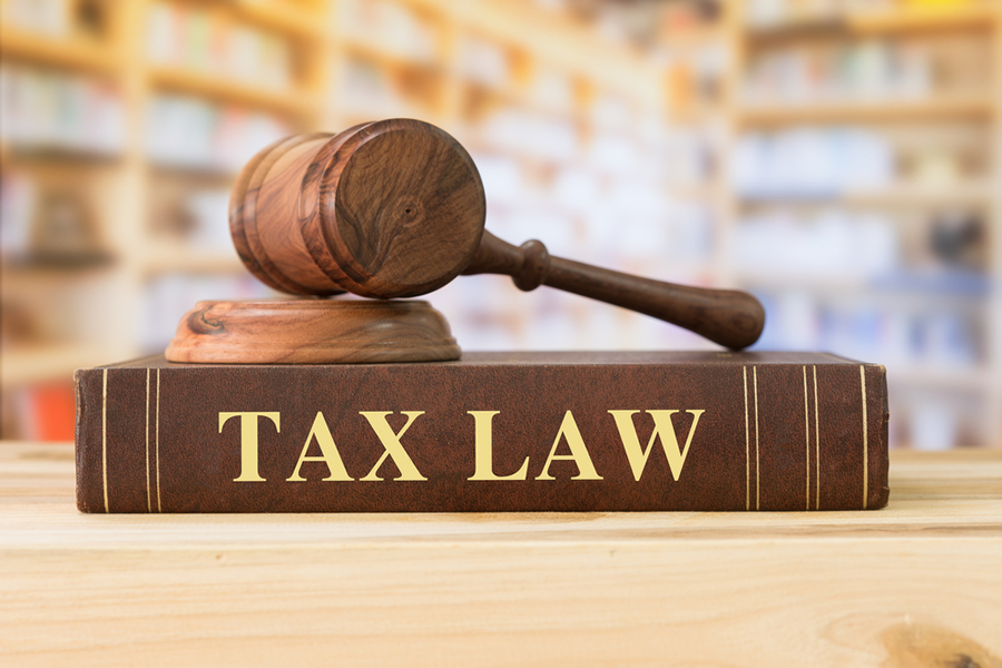 Why You Should Choose a Tax Attorney over an Accountant?