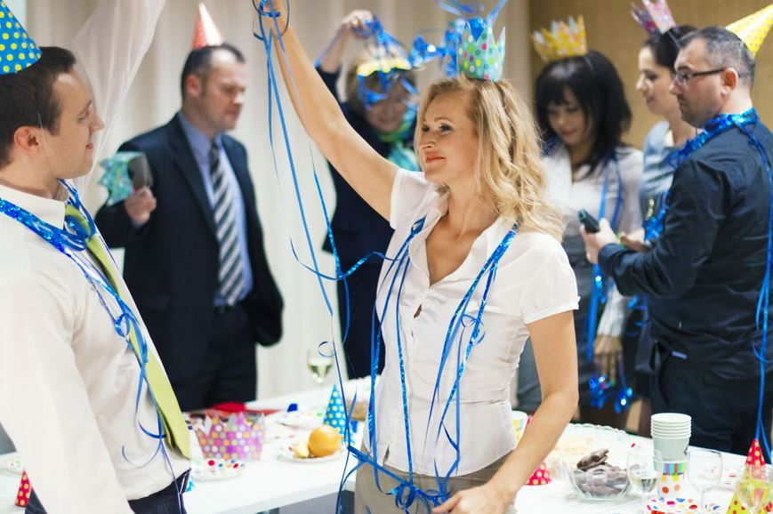 Improving Employee Morale: 5 Reasons to Throw a Fancy Company Party