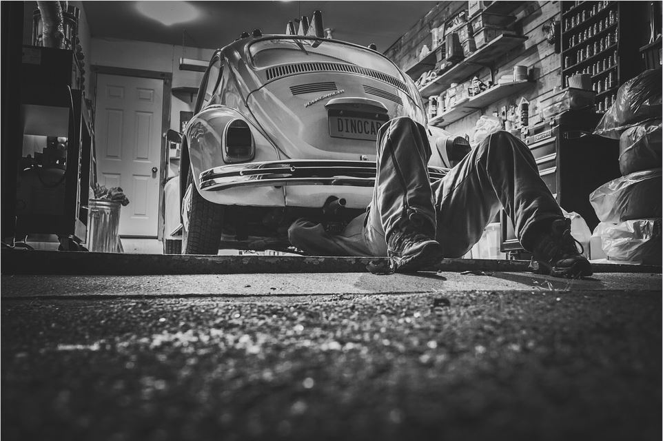 Setting up Shop as an Auto Mechanic? Here's the Equipment You Need