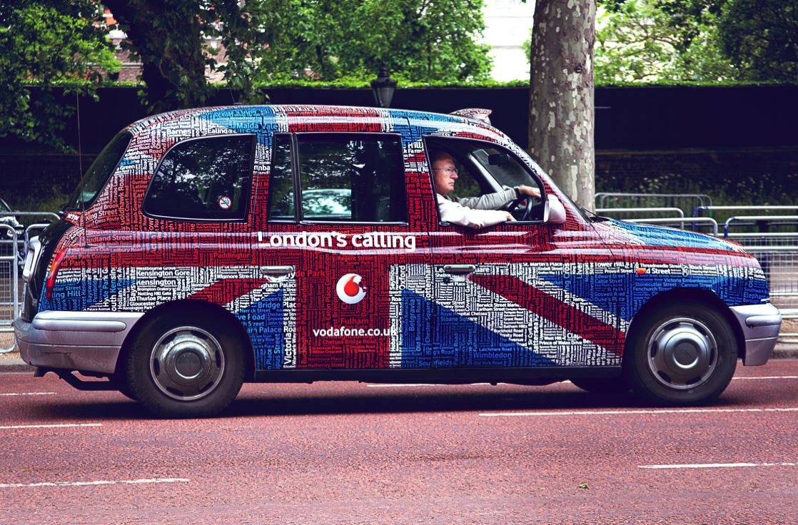 Marketing on Wheels: 4 Advantages of Car-Wrap Advertising