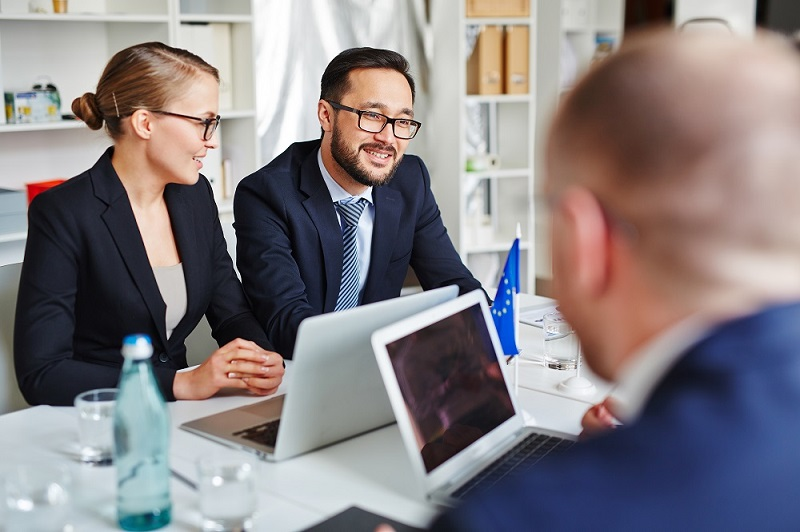 The Benefits of Hiring the Right Lawyer for your Business