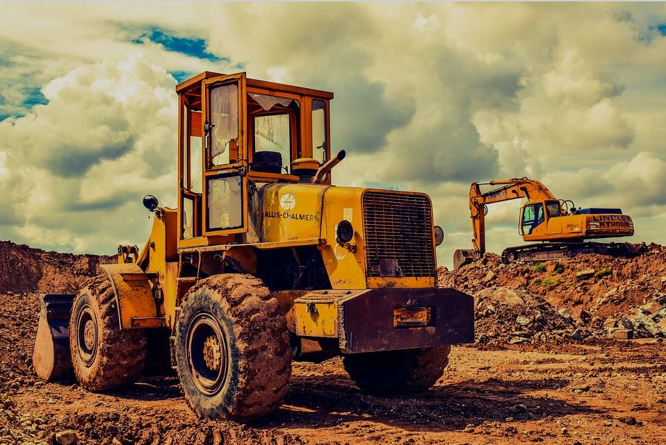 4 Benefits of Renting Rather Than Owning Large Construction Equipment