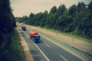 How to Minimize Costs When Becoming an Independent Truck Driver