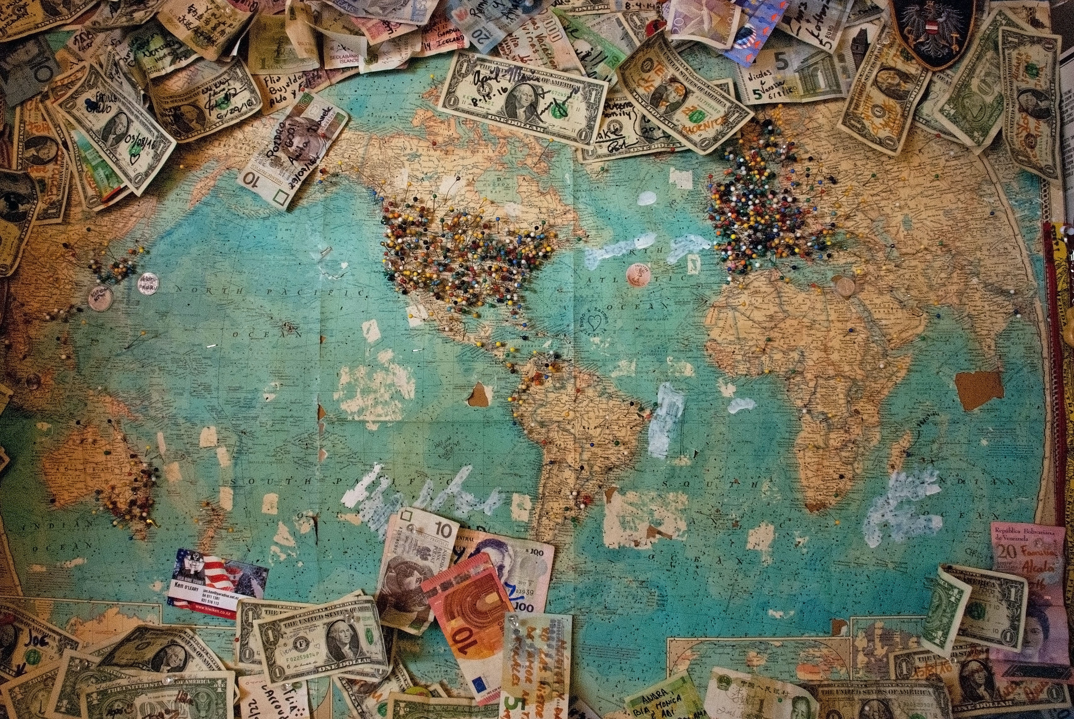 How Small Businesses Can Expand Into International Markets