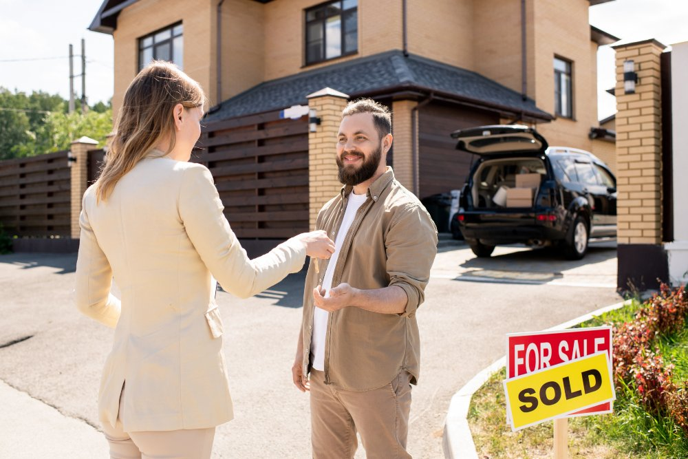 7 Tips to Being a Great Realtor and Closing on Sales