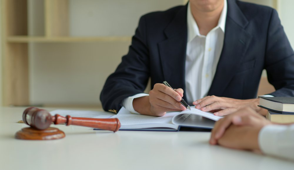 When You Should Turn to a Lawyer After a Workplace Injury