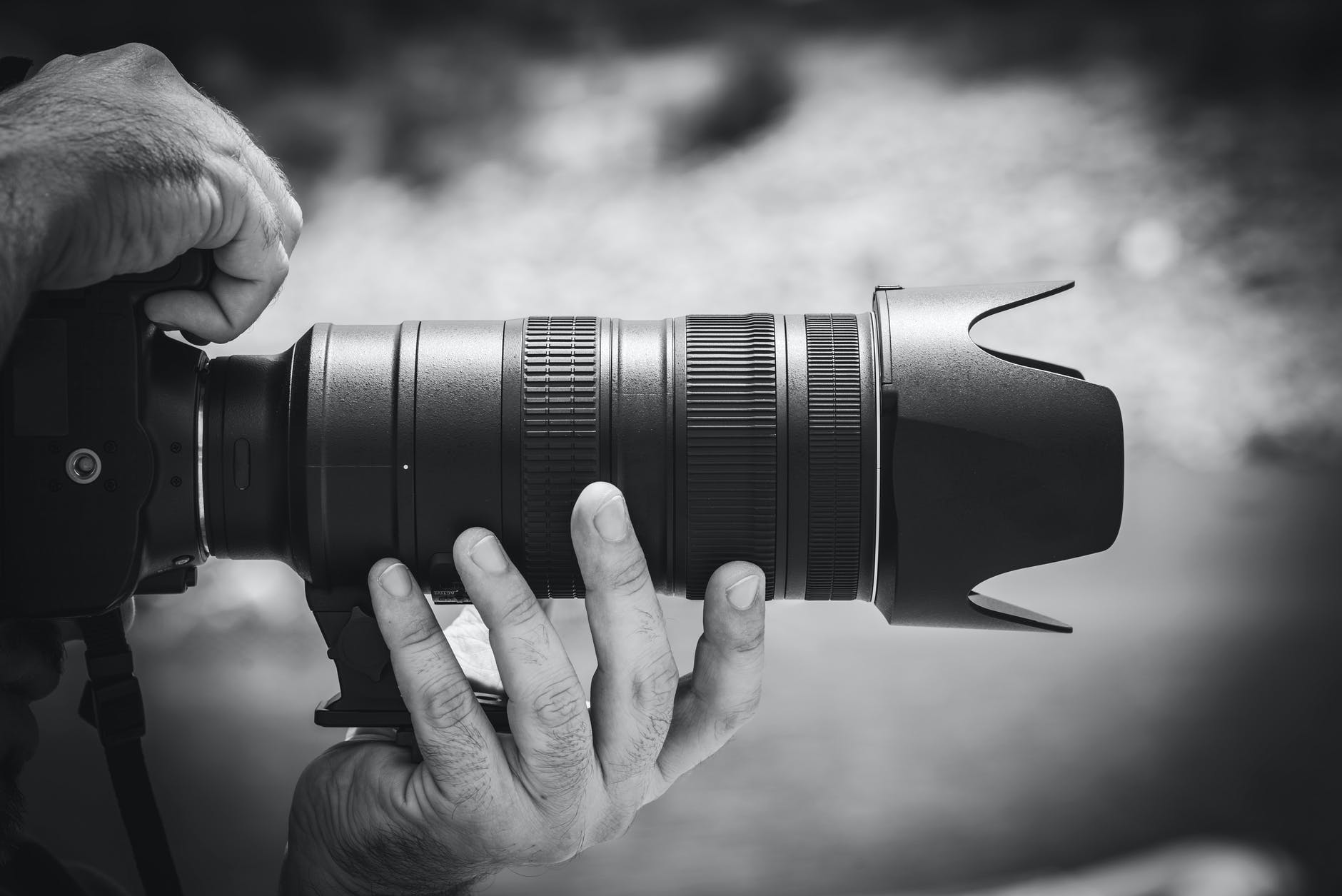 Top Benefits Corporate Sectors Get By Hiring Commercial Photographers