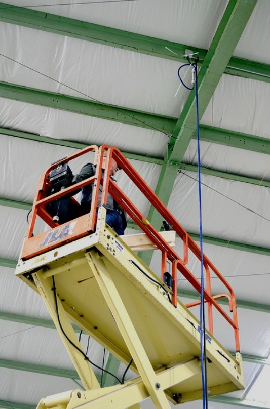 4 Jobs That are Better Done With a Scissor Lift