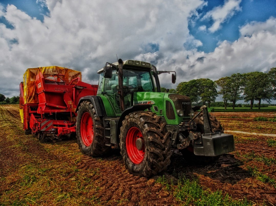 4 Essentials of Tractor Care for New Farmers