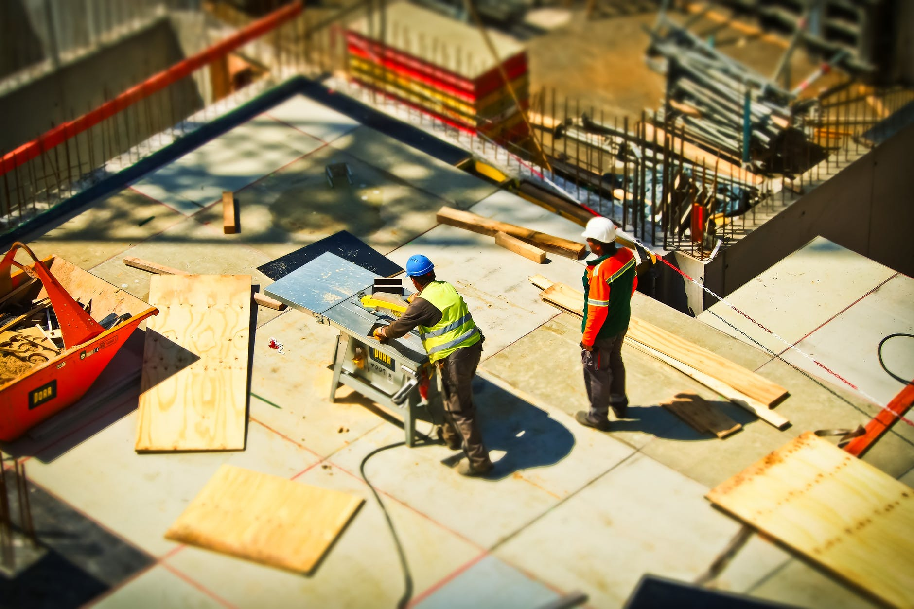 4 Contractors Every Major Construction Company Needs Good Relations With