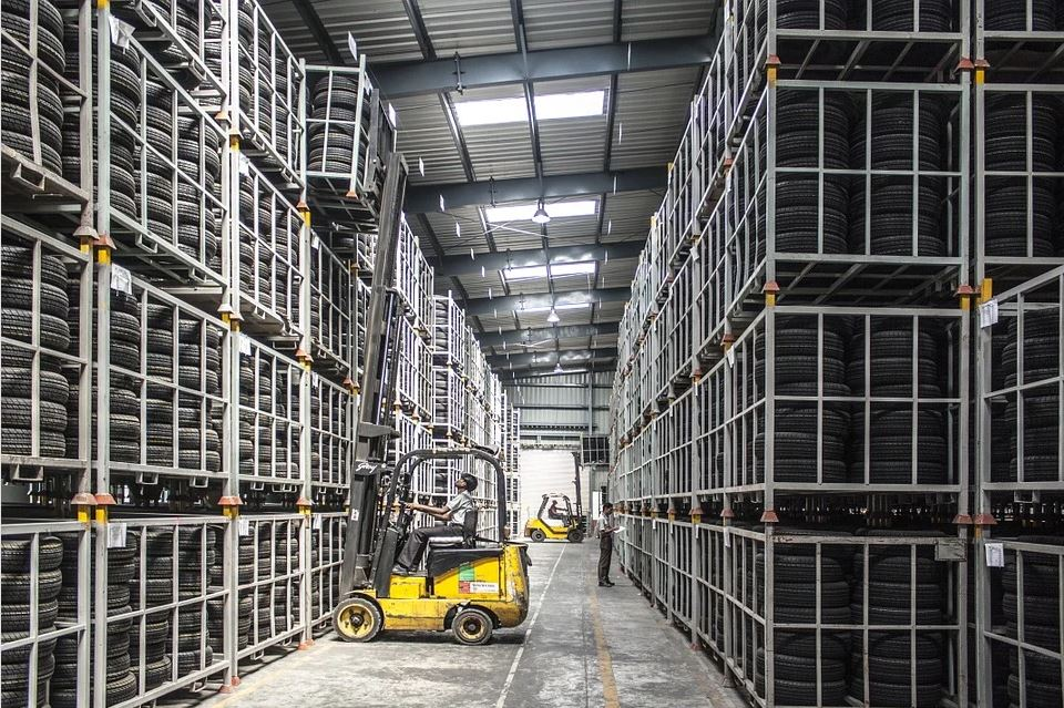 How to Handle and Store Materials in Your Business Warehouse