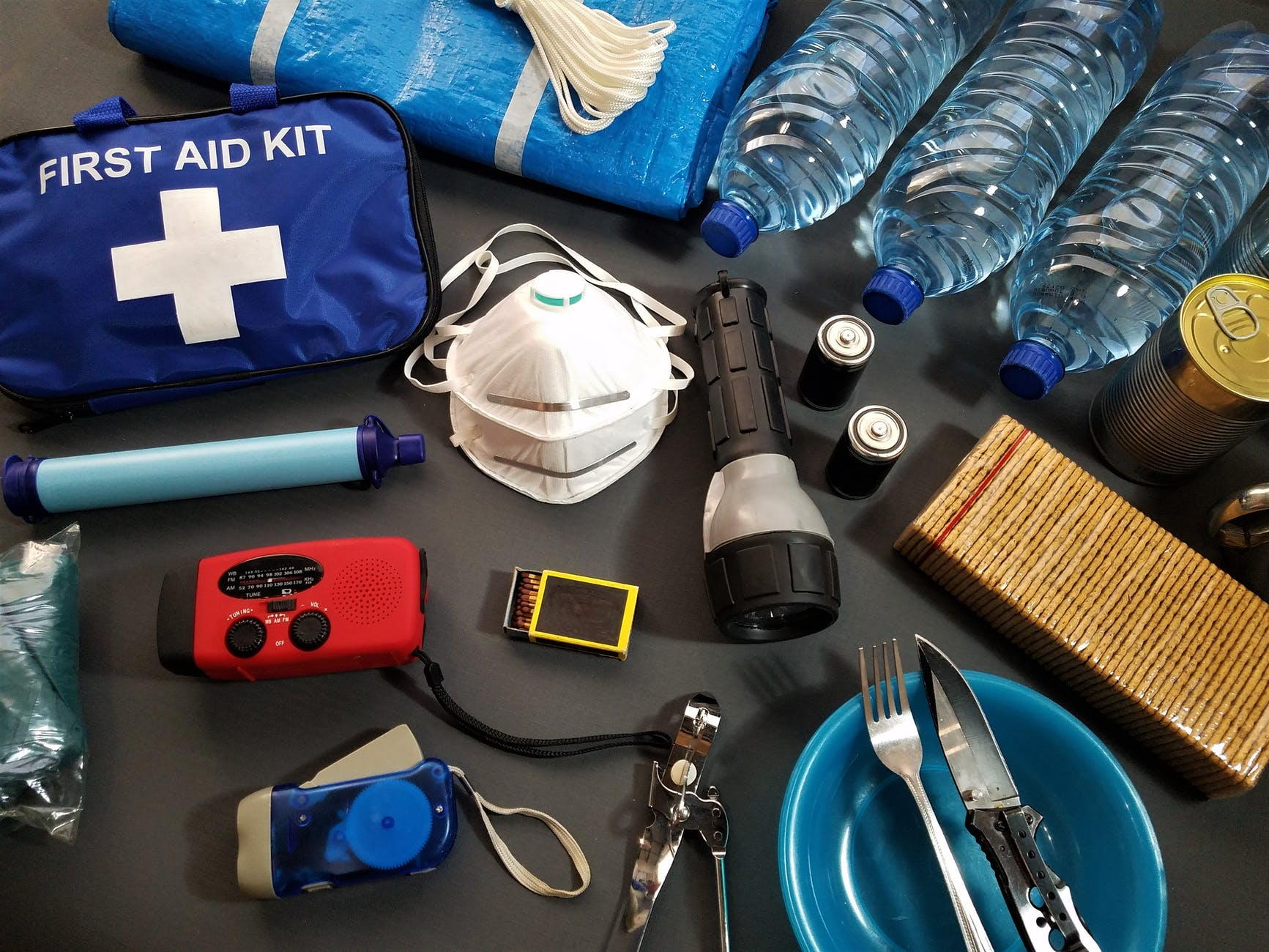 5 Things to Keep in Your Car in Case of Emergency