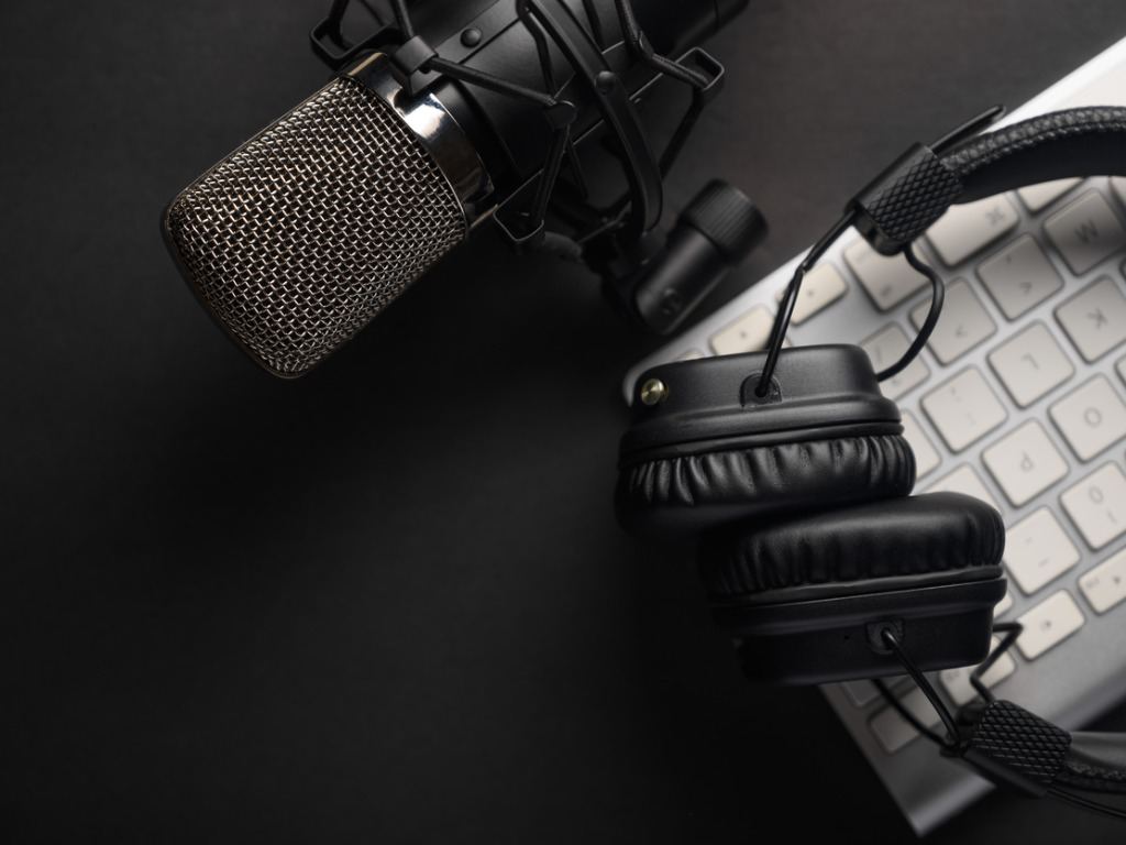 The Unique Benefits of Podcasting: Should You Start a Podcast for Your Business?