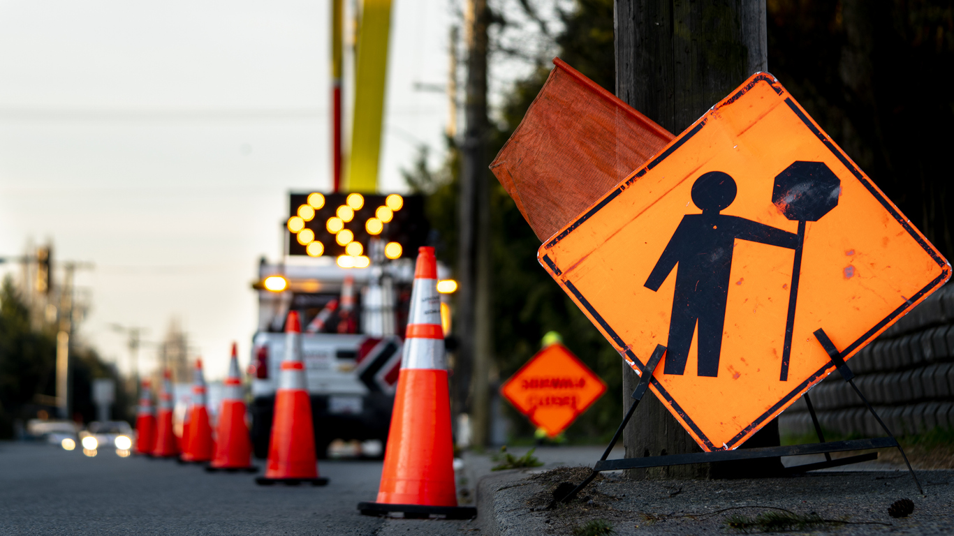 4 Ways to Keep Workers Safe During Road Construction